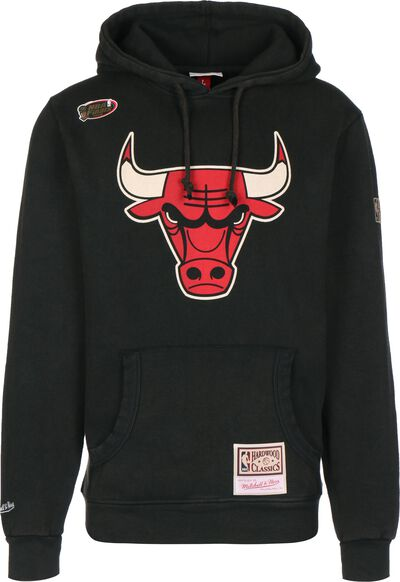 Worn Logo/Wordmark Chicago Bulls