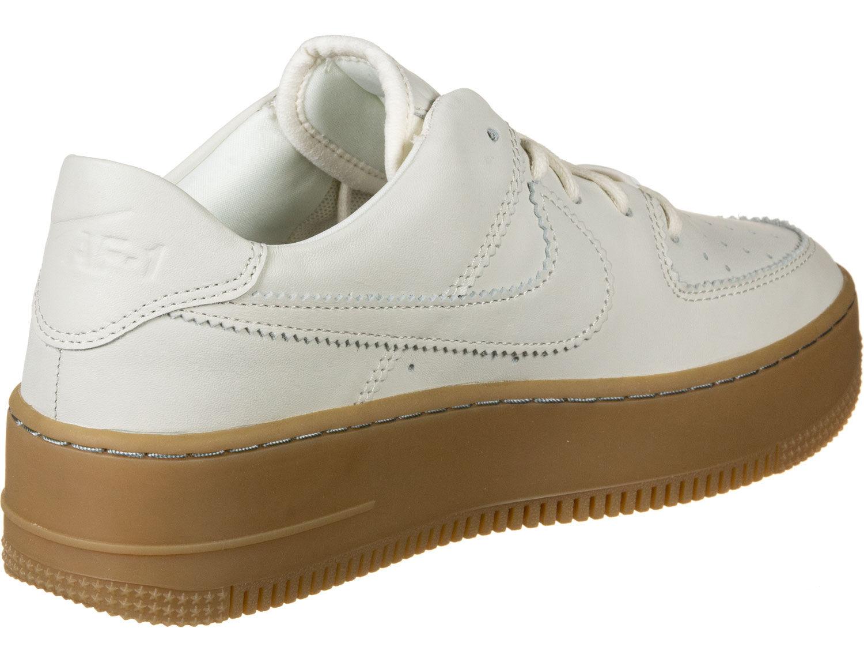 Air Force 1 Sage Low 2 W Baskets low Femmes chez Stylefile