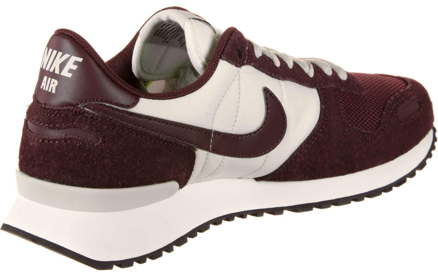 Air Vortex Baskets low Hommes chez Stylefile