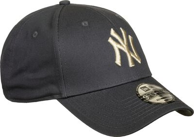 New York Yankees League Essential