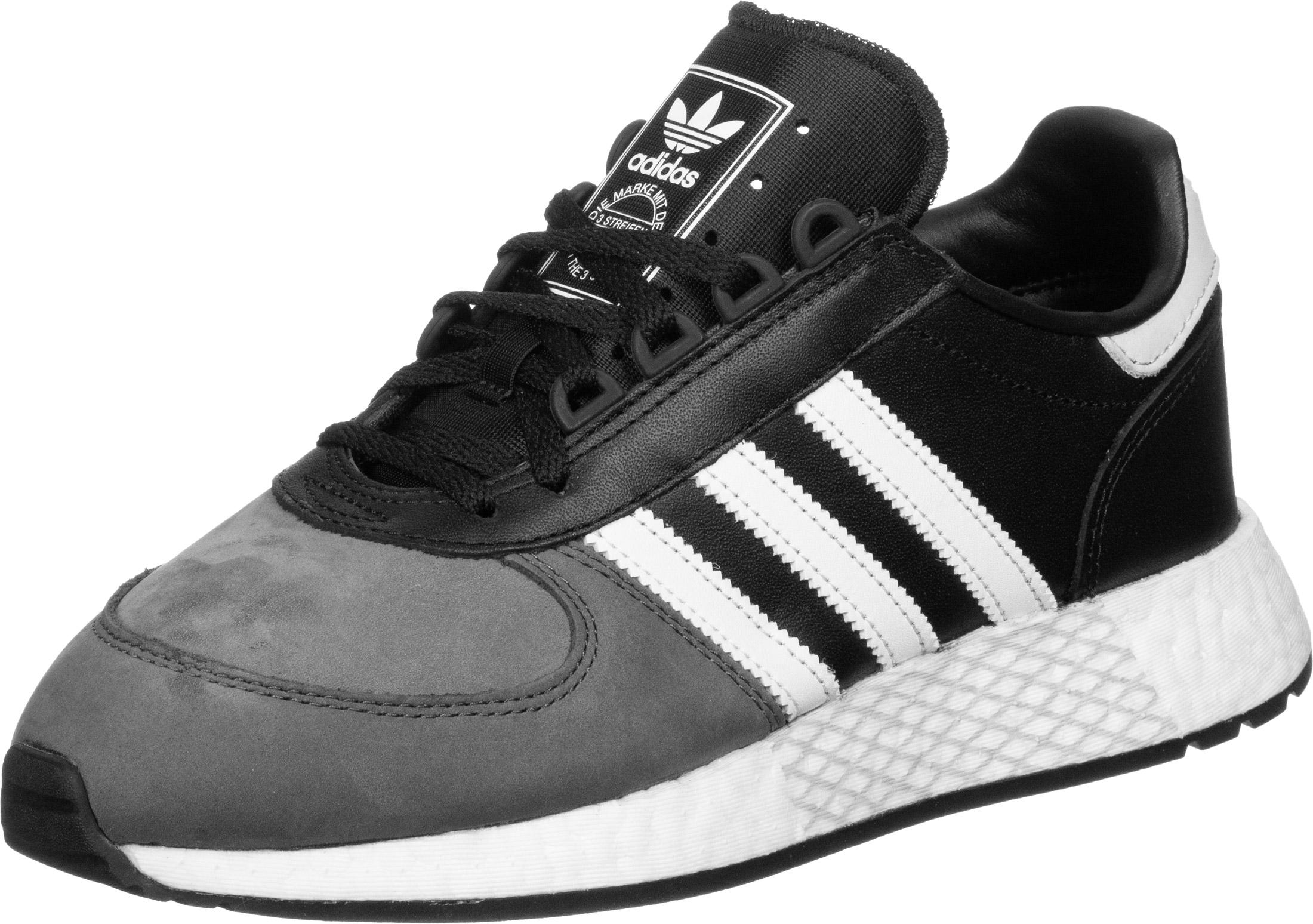chaussure adidas 10k noire