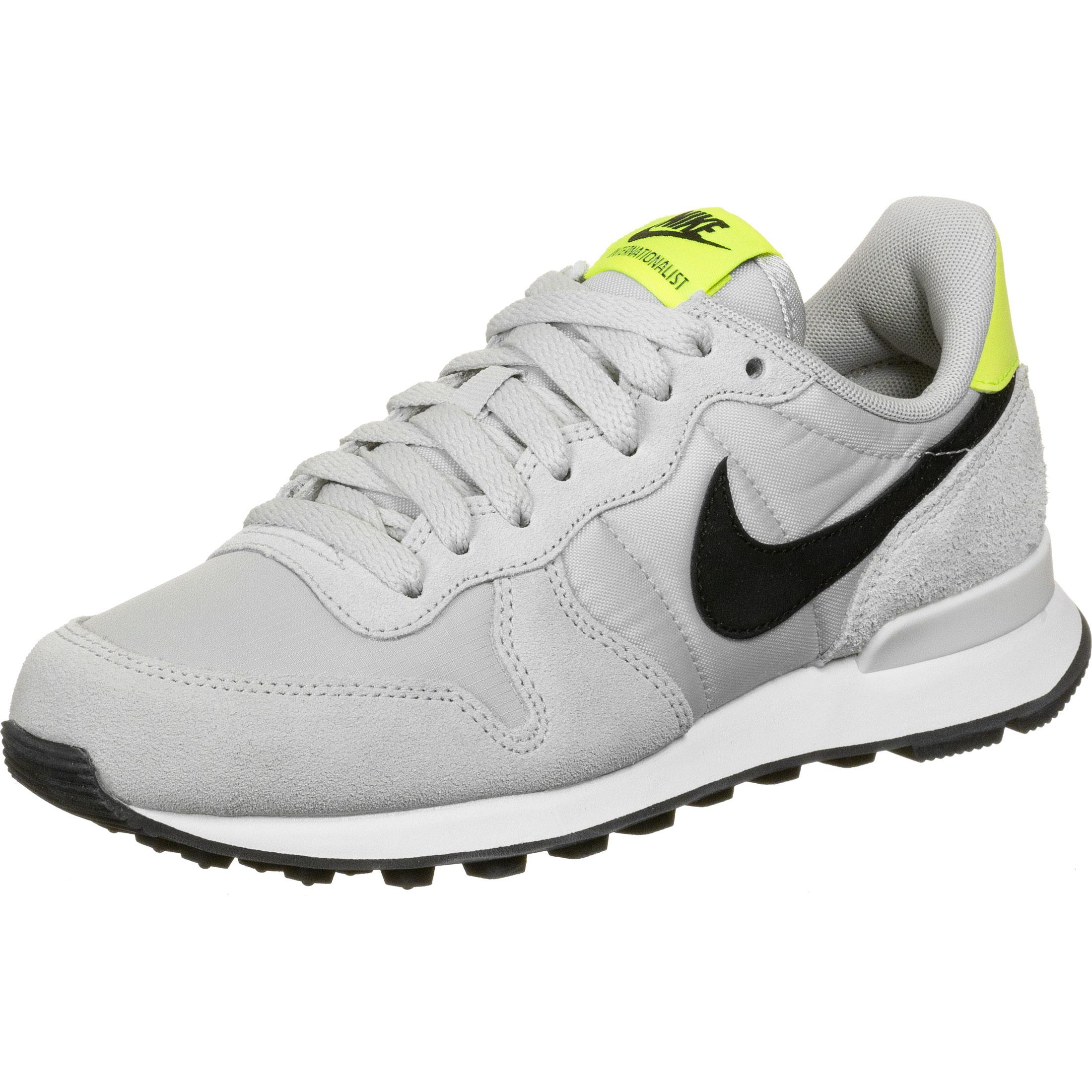 Internationalist Nike:
